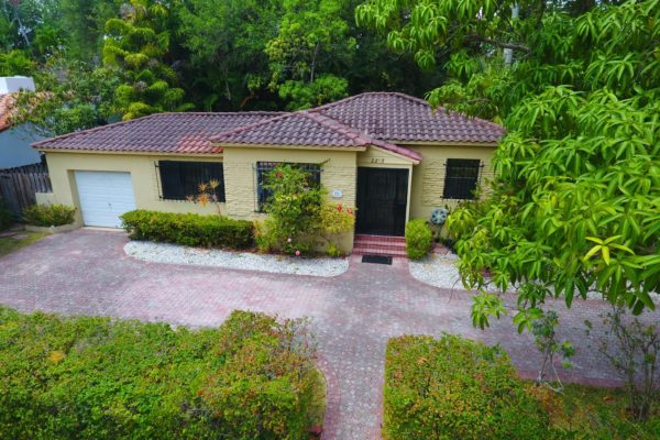 2215 Tequesta Ln, Coconut Grove