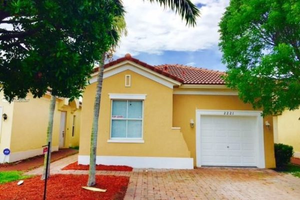 2221 NE 37th Ter, Homestead, FL 33033